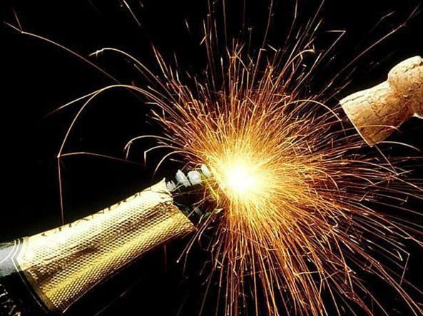 Conto alla rovescia in piazza per l arrivo del nuovo anno for Case capodanno bergamo