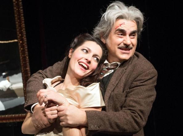 Valter Melosti è regista e protagonista della commedia di Luigi Pirandello «Il berretto a sonagli», in scana al Donizetti dal 14 al 19 marzo