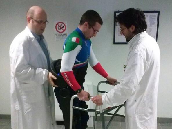 Einar, il 3 marzo, al Centro protesi Inail di Vigorso di Budrio, nel Bolognese, compie i primi passi a due anni e mezzo dall'incidente