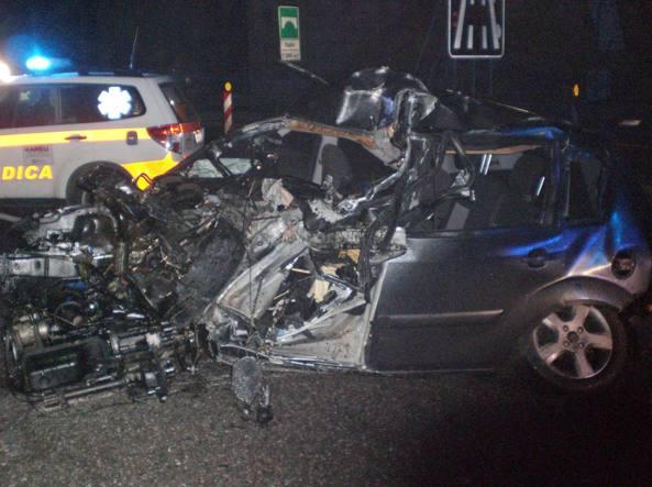 L'auto di Roberta Gipponi dopo lo schianto