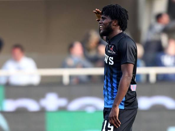 Franck Kessie in campo contro il Pescara. Suo il passaggio decisivo per il terzo gol realizzato da Gomez (LaPresse)