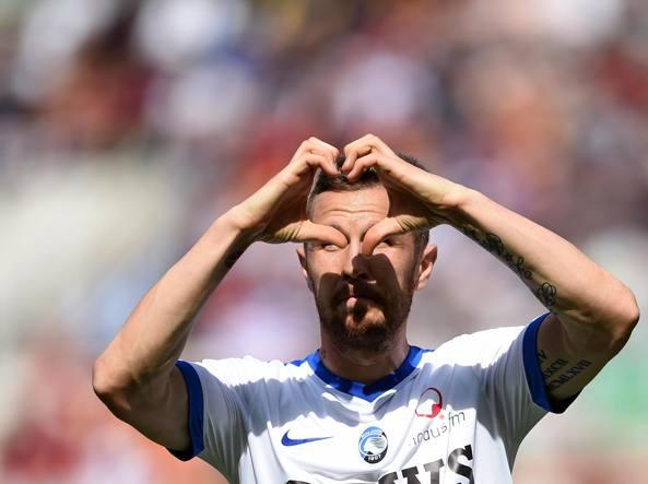 Jasmin Kurtić  esulta dopo il gol ai giallorossi (Afp)