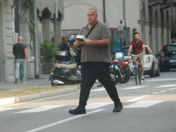 Pantaleo Valentino Castriota, 41 anni, fotografato dagli investigatori a Bergamo mentre va a incontrare Alessandro Olimpo, suocero di Alberto Calderoli
