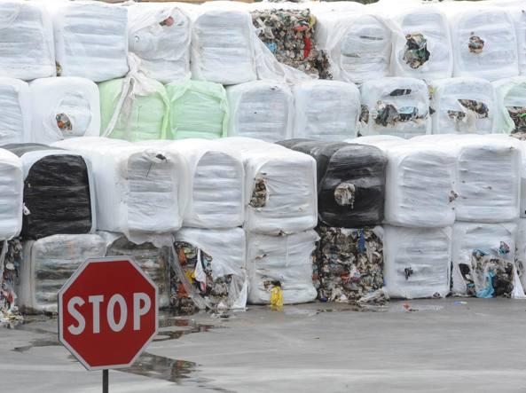 Traffico rifiuti milionario fra Napoli e Lombardia: 2 arresti