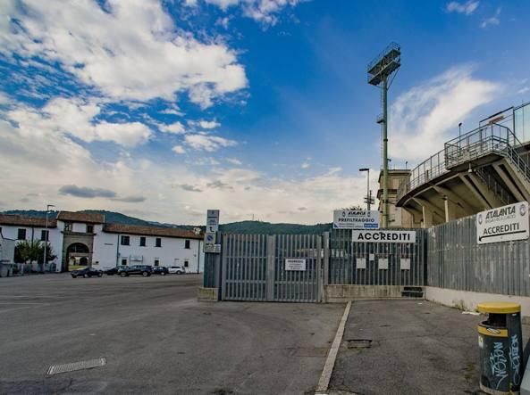 Il Lazzaretto e lo stadio Atleti Azzurri d'Italia (LaPresse/Sergio Agazzi)
