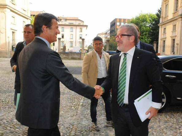 Il sindaco Giorgio Gori (a sinistra) e il governatore Roberto Maroni
