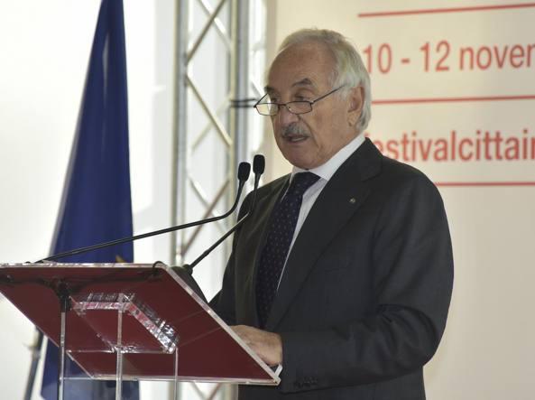 Alberto Bombassei durante l'intervento al Festival Città Impresa (foto Manzoni/LaPresse)