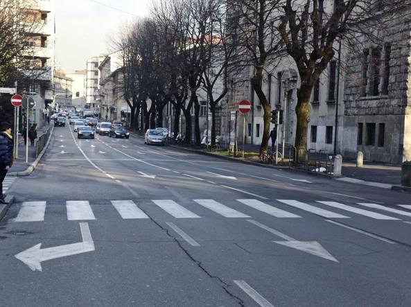 Dall'istituto Lussana verso l'incrocio con viale Papa Giovanni sparirà una delle quattro corsie di via Maj