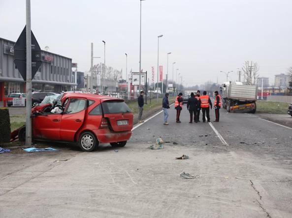 I carabinieri sul luogo dell'incidente (LaPresse/Francesco Moro)