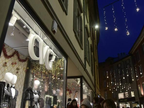 Il negozio della catena Cvg, in via XX Settembre (LaPresse/Manzoni)