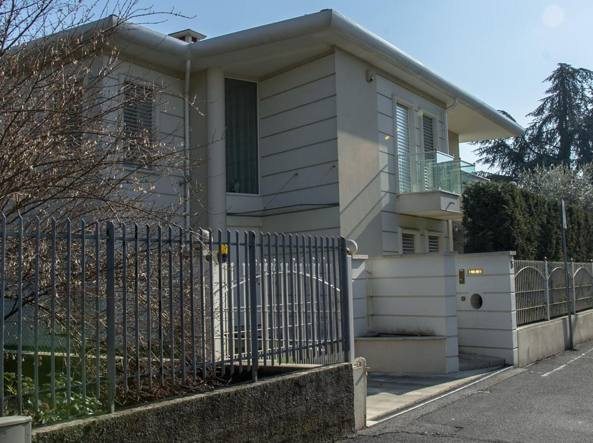 La villa a Gorle dove vive Placido Ilario Sapia, il presidente della Maxwork condannato a 4 anni e 10 mesi per il crac della società