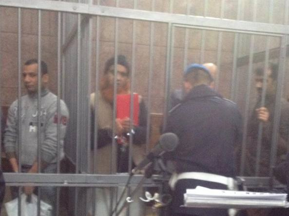 Al centro, con la barba arancione, Hafiz Muhammad Zulkifal, 44 anni: è detenuto a Sassari